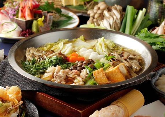 <歓送迎会たっぷりプラン>九州みつせ鶏と野菜たっぷり、でんのしおり自慢お出汁の極上鍋コース&飲み放題3時間6,000円(税込)