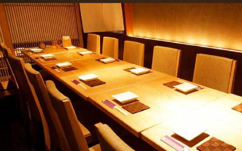 【12名様迄】メインフロアテーブル席