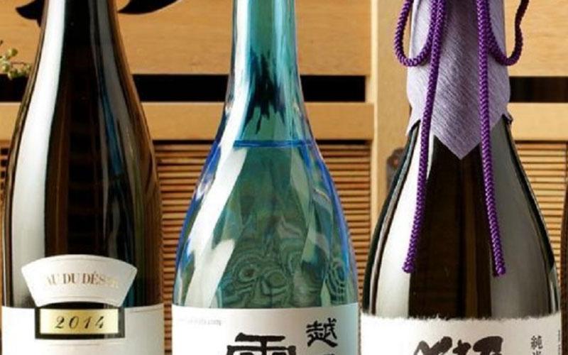 時期によって変わる、『今月の厳選銘酒』 700円~ご用意
