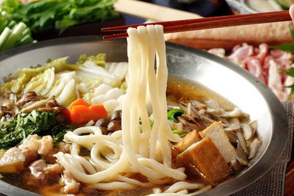 九州みつせ鶏のうどんすき鍋(ご注文は2人前~)1人前 2,980円(税抜)