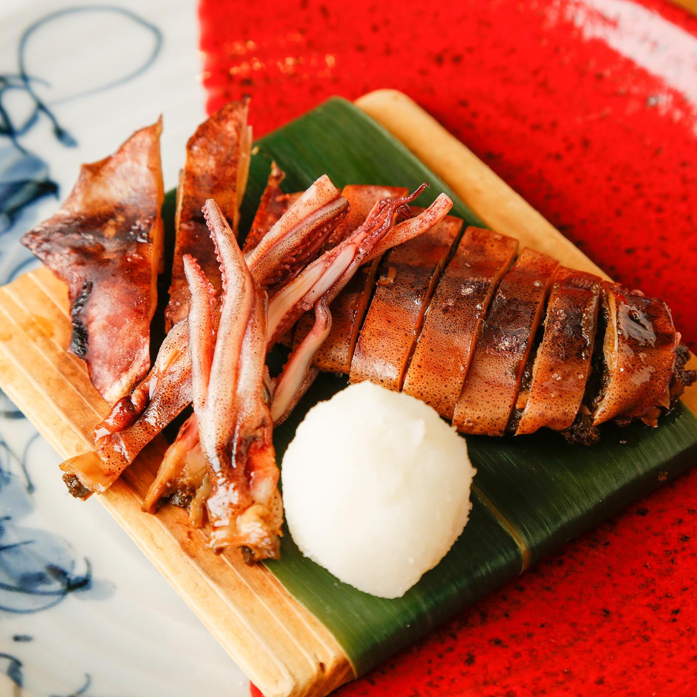 石川県 丸干しスルメイカの炙り焼き 858円(税込)